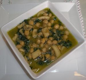 Cigrons amb espinacs i sèpia o calamars