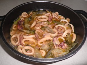 Cassoleta de calamars i carxofes