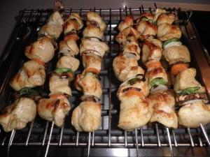 Broquetes de pollastre i verdures